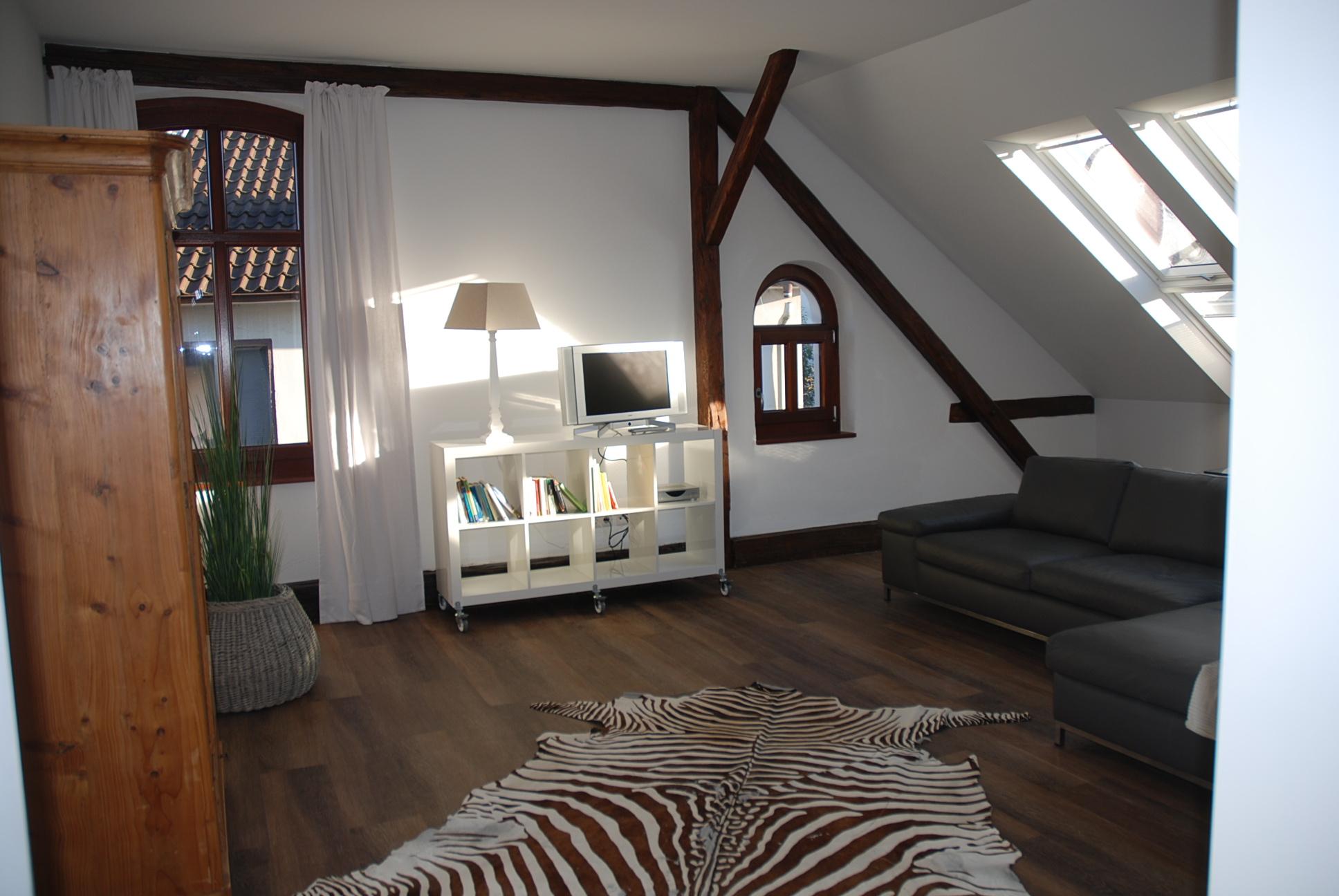 weitzel-boardinghouse-appart-muehlenstrasse-atelier-01